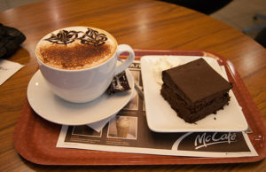 coffee and cake by Guillaume Speurt (via wikipedia)