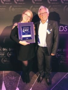 Evi Richard and Harald Weimer with the Platinum Award.